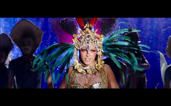 Mai Lan , les huitres.Music video by adan Jodorovski, costumes 2013