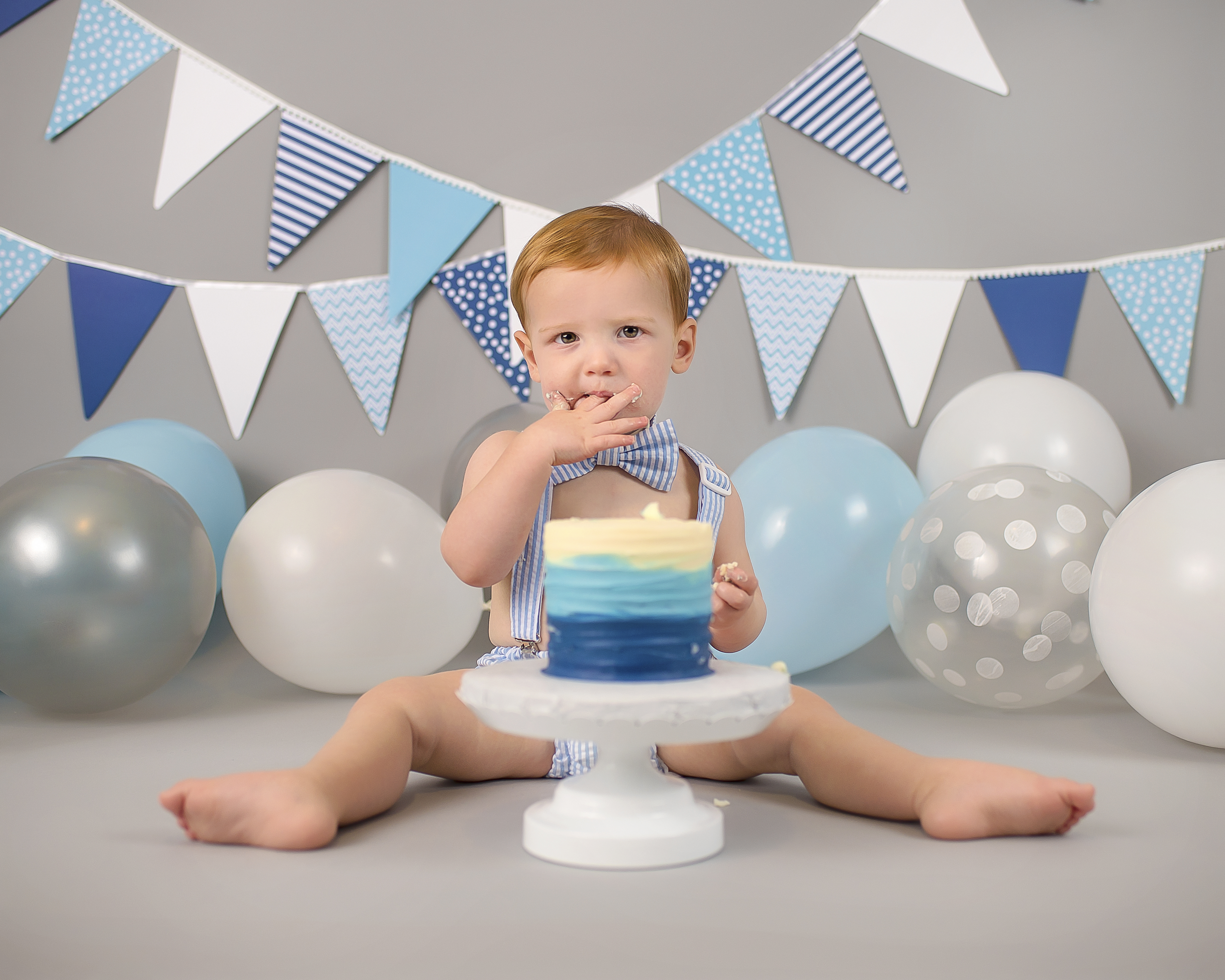 Admirable 1St Birthday Cake Smash United States Urban Chic Photography Funny Birthday Cards Online Alyptdamsfinfo