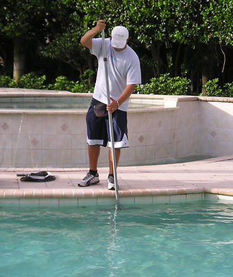 Weekly Pool Cleaning