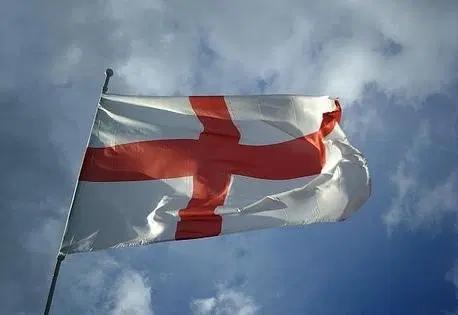 """La Croce di San Giorgio, la bandiera che Genova ha """"affittato"""" agli Inglesi"""