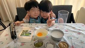 Jonah Cooks make Pandan Kaya (Pandan Coconut Jam)