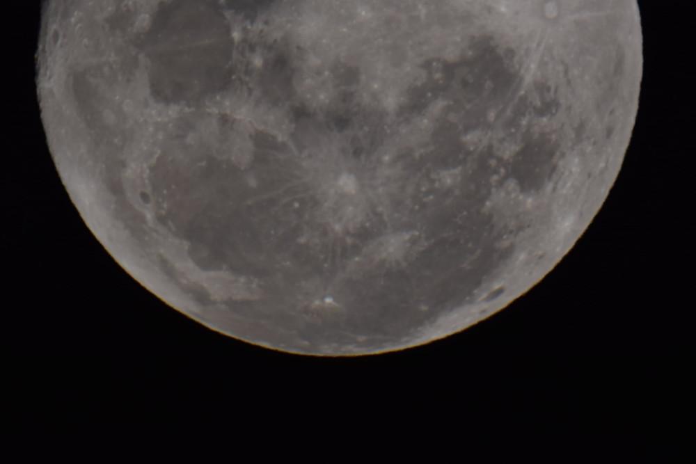 Lunar Eclipse captured by Geoffrey Lind, Blood Moon, Australia, Brilliant-Online