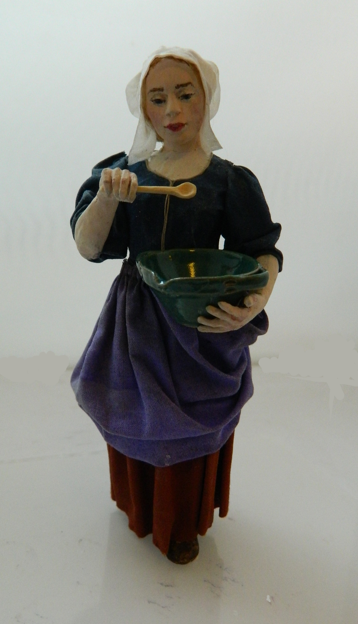 Maid with bowl