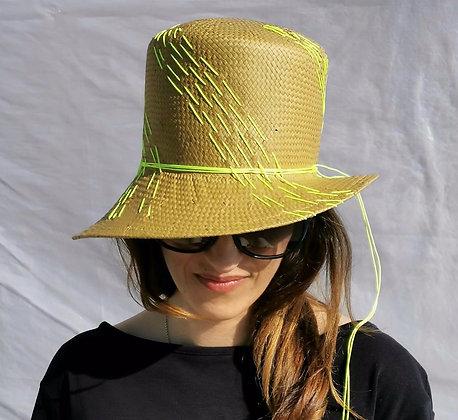 Cappello in Paglia di Carta Cinese con Ricamo Giallo Neon