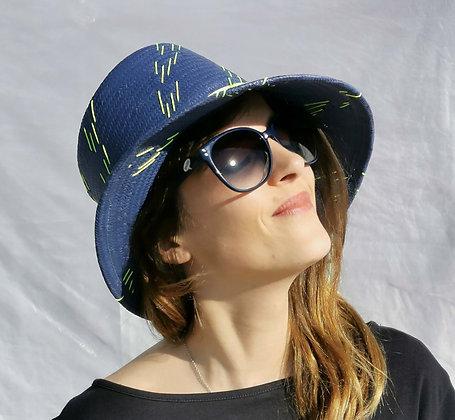 Cappello in Paglia di Carta Cinese Blu con Ricamo Giallo Neon