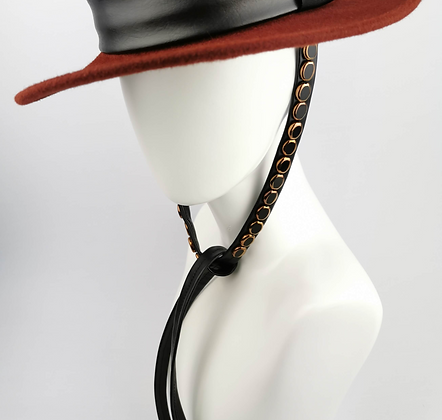 Lacci per Cappello in Eco Pelle Nera con Perle Bronzo e Nere
