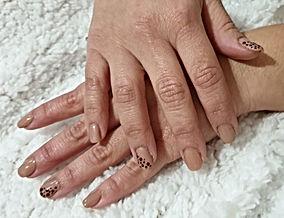 mani semi con fibra.jpeg