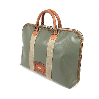 Briefcase for B4