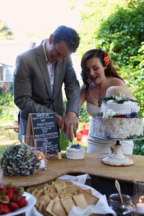 Voulez cake cutting.jpg