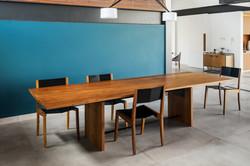 mesa planador e cadeira gaivota