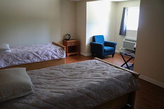 t room.jpg