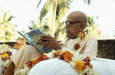 Srila-Prabhupada-Reads-Srimad-Bhagavatam