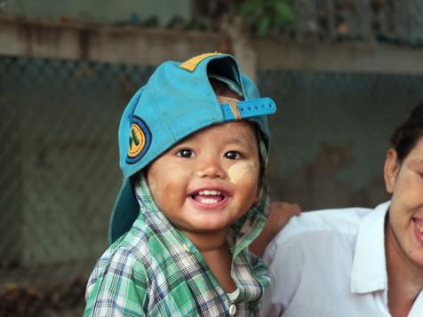 Birmanie, Myanmar, le sourire aux lèvres