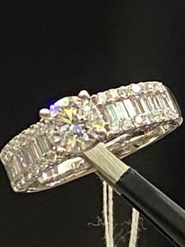ダイヤモンドデザインリング