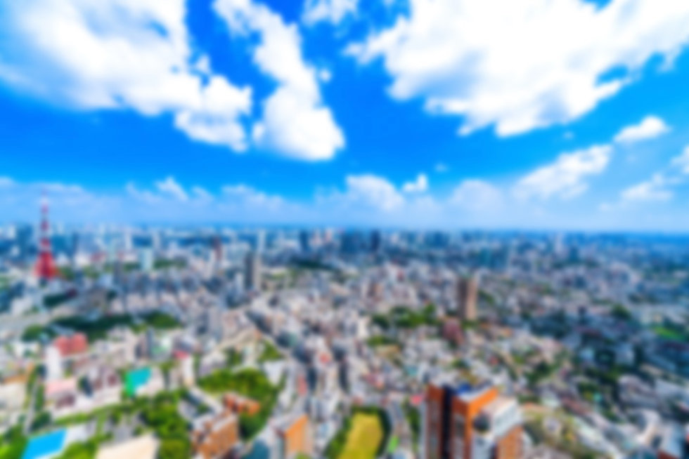 《東京都》夏の東京・白い雲と都市風景 ブラー.jpg