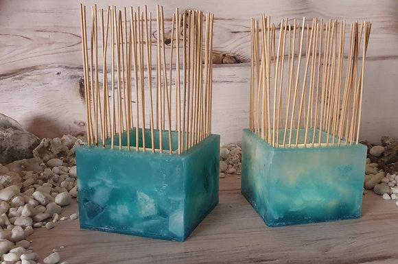 Lampion s bambusovými tyčinkami tyrkys