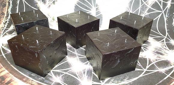 Svíce Černá 16x16x12