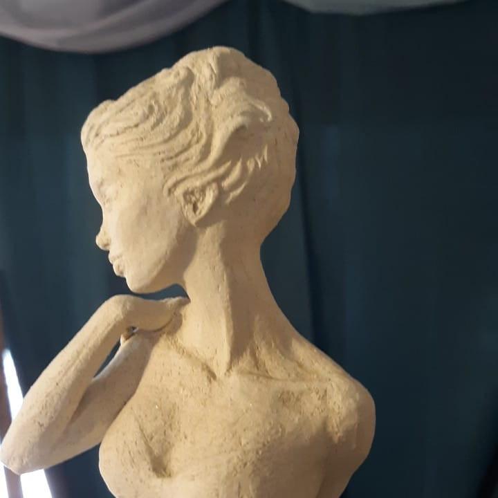 Sculptural  6:30pm 2/3