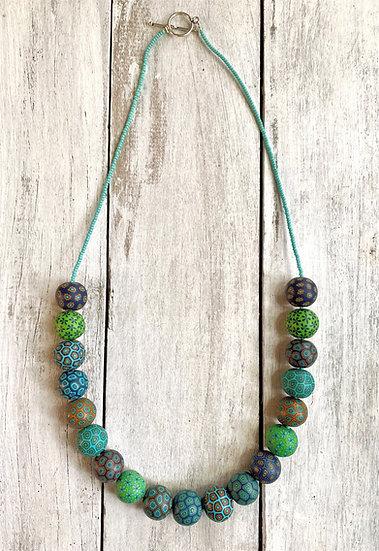 "Samunnat medium bead ""Bindu Traditional"" style necklace."