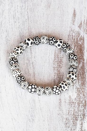 """Tiny bead bracelet """"Bindu Bullseye"""" style"""