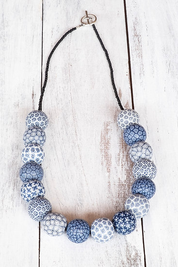 "Samunnat large bead ""Traditional Style"" necklace - navy/white"