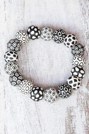 """Medium bead Bindu bracelet """"Bullseye"""" design"""