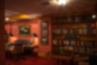 LIBRARY-COLLECTION-HOTELS-NYC-ELYSEE-MAN