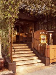 Petit Ermitage, West Hollywood
