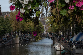 CANAL-VIEWS-AMSTERDAM-NETHERLANDS.jpg