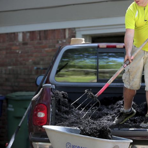 Former bartender turns misfortune into 'Laid Off Lawn Care'