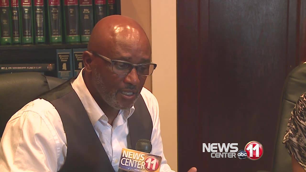 """A book-signing was held Friday morning in Meridian for Byron Franklin's first book. He's the pastor of Living Word Church in Livingston. His book is titled, """"Men are Finders, Women are Choosers.""""   http://www.wtok.com/content/news/W-Alabama-author-ho"""