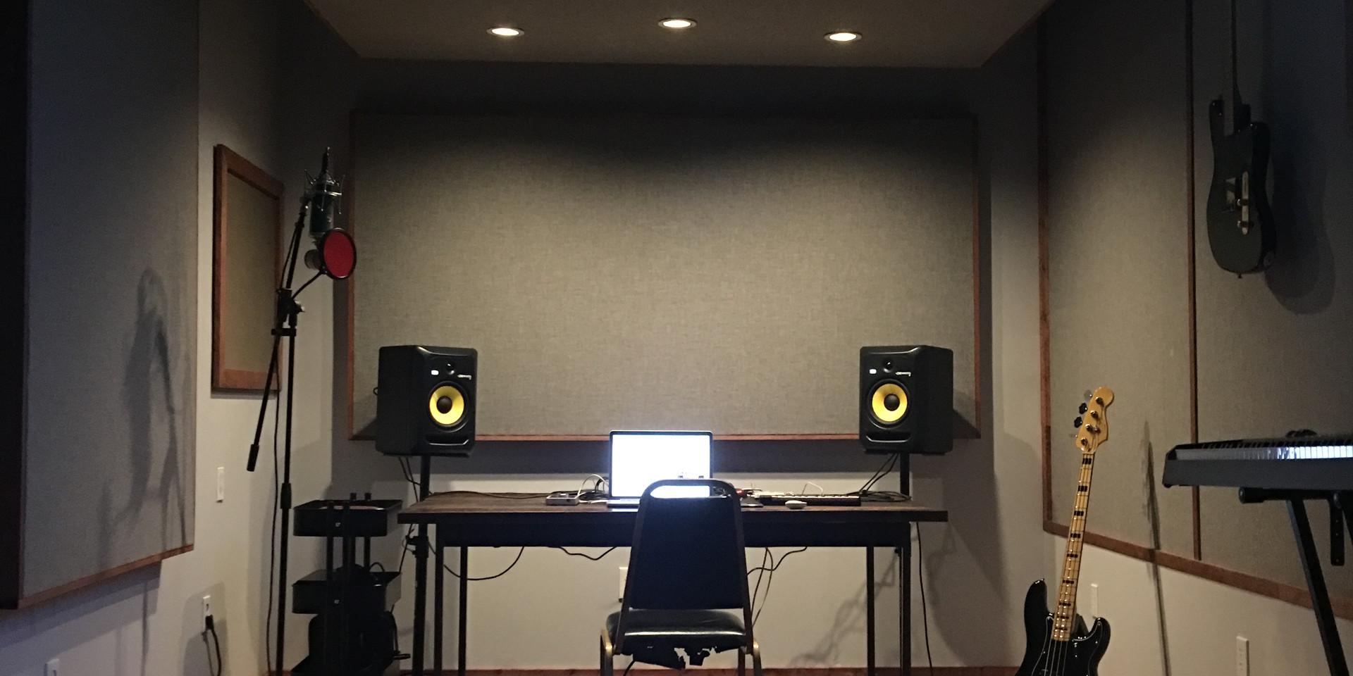 Tommy English Studio