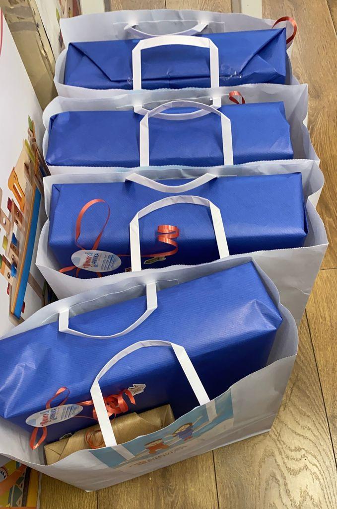 מתנות מרוכזות לגן, טומי ואניקה חנות צעצועים בתל אביב