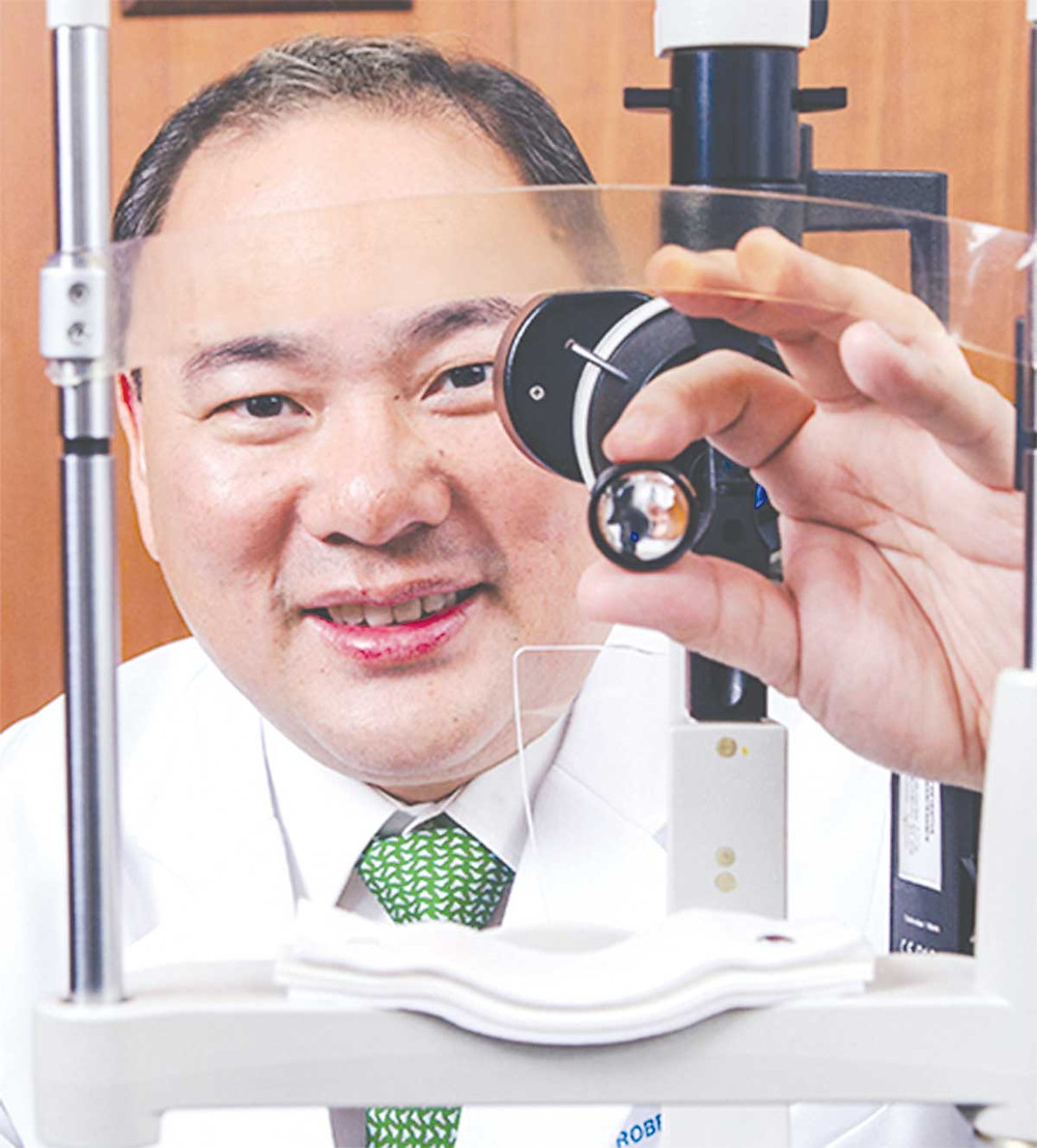 Dr. Robert Ang