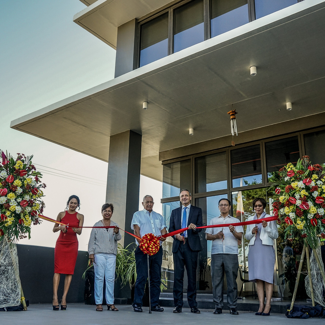 From left (Gianna Kessler, Pacita Kessler, Horst Kessler, Ambassador Kricke, Philip Soliven, Lenie Bermudez)