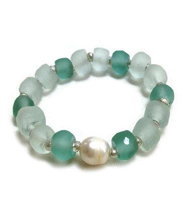 Ocean Glass & Pearl Bracelet