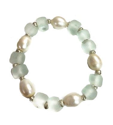 Ocean Glass Multi Pearl Bracelet