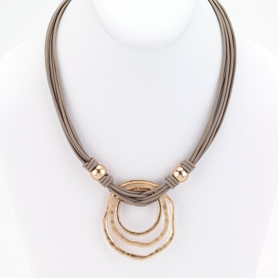 St. Tropez O Layer Necklace Gold