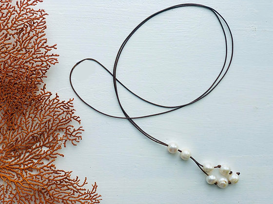 The Minimalist Pearl Lariat - Cocoa Leather