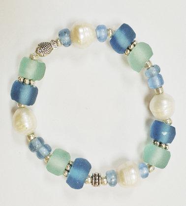 Ocean Glass Multi Pearl Fish Bracelet