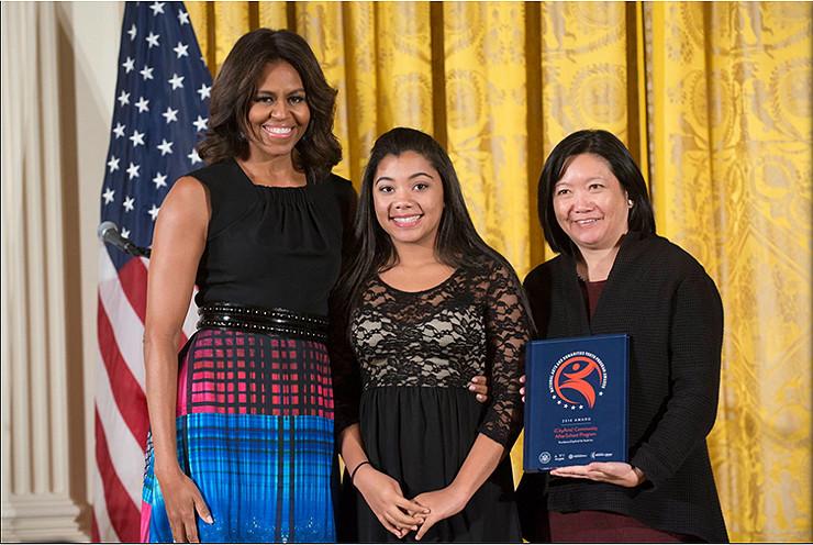 Barbara Wong receives 2014 National Arts and Humanities