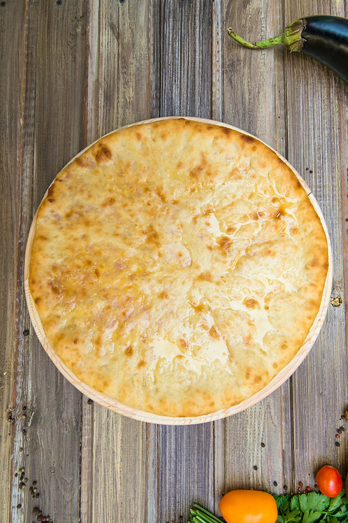 Осетинский пирог с луком и сыром
