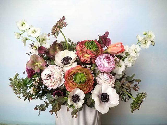 This arrangement features two unique var
