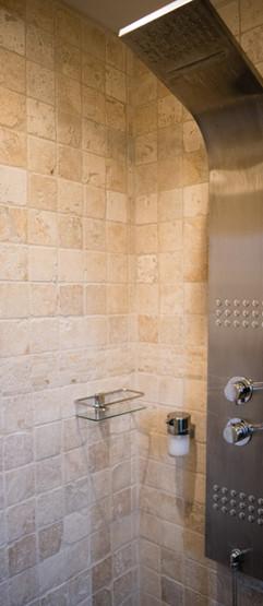 salle de douche dans la chambre, grande douche italienne