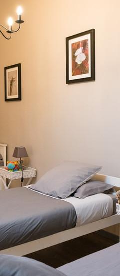 lit simples à l'étage