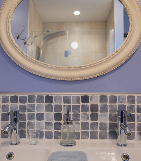 sanitaires dans la chambre, double vasque