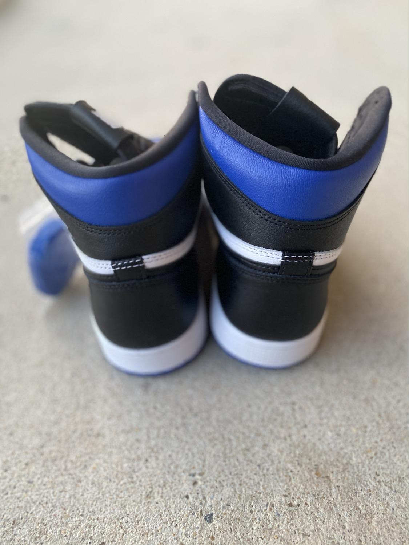 """Thumbnail: Air Jordan Retro 1 """"Royal Toe"""""""