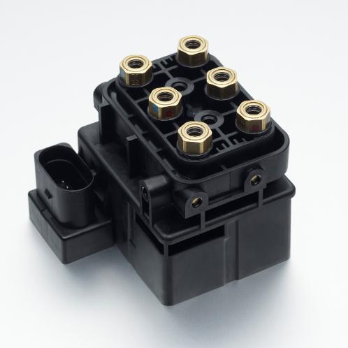 Solenoid valve, switchable valve, solenoid valve block, damping solenoid
