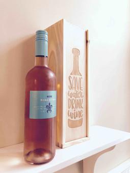 Wijnkistje relatiegeschenk graveren