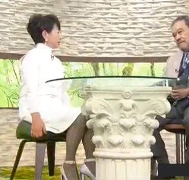 「サワコの朝」で阿川佐和子さんにおじゃみスツールを使って頂いてます